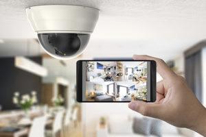 Caméra maison pilotée depuis téléphone