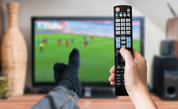 regarder le foot à la tv