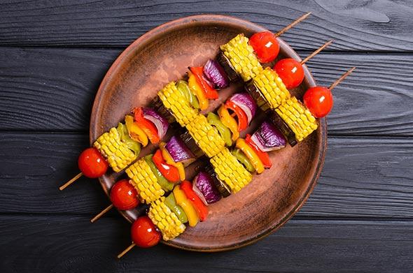 brochettes de légumes grillés au barbecue