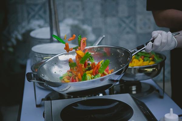 bienfaits cuisson au wok