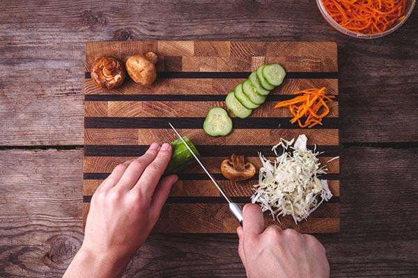les bons outils pour découper les légumes