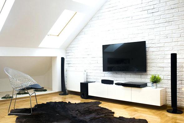 Fixation TV au mur