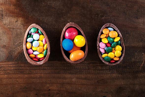 oeufs-chocolat-garniture-bonbons