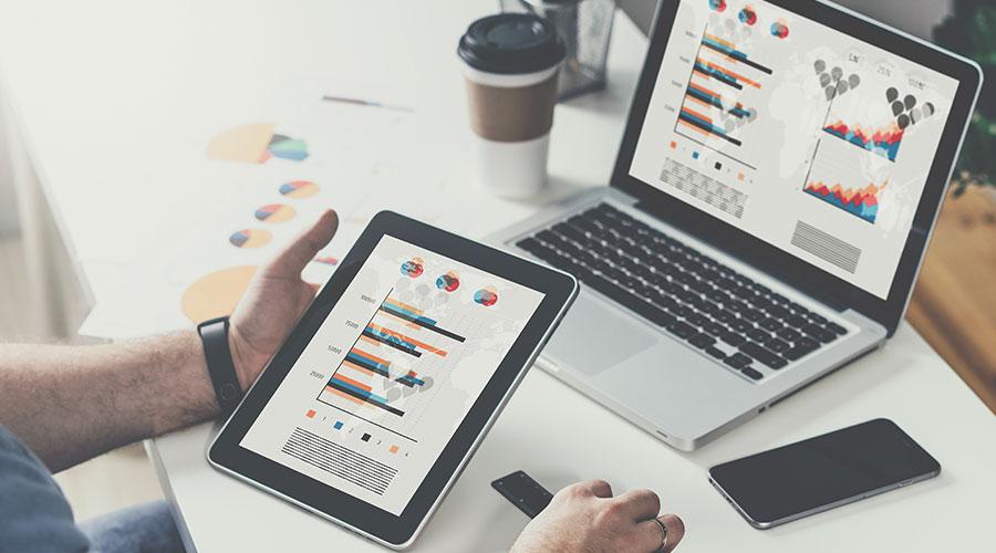 travailler sur tablette ordinateur et smartphone