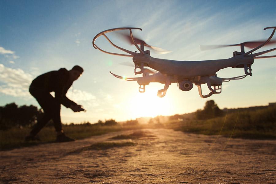 comment faire atterrir un drone?