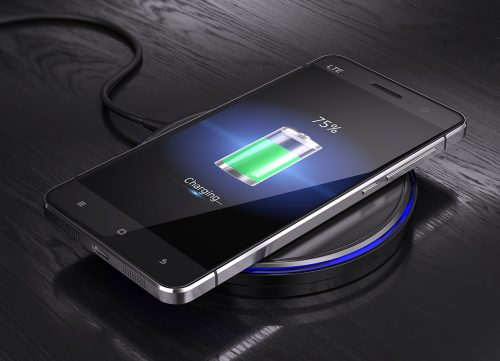 charger smartphone par induction
