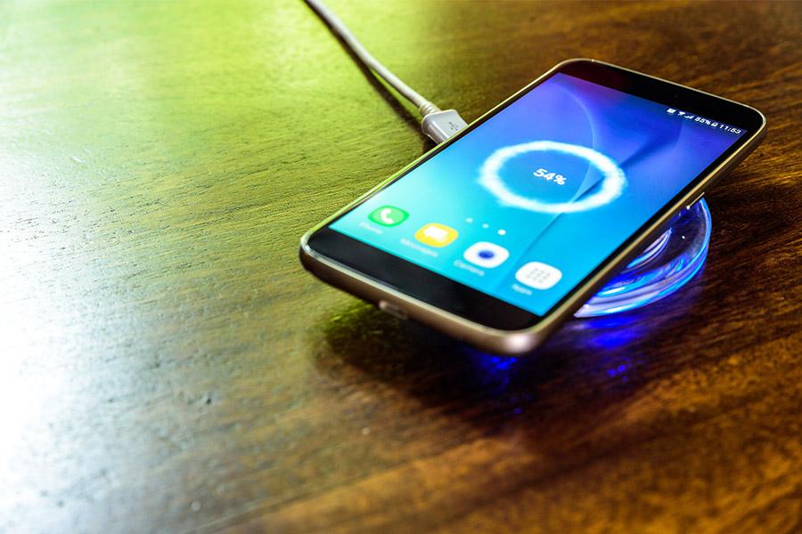 téléphone charge induction