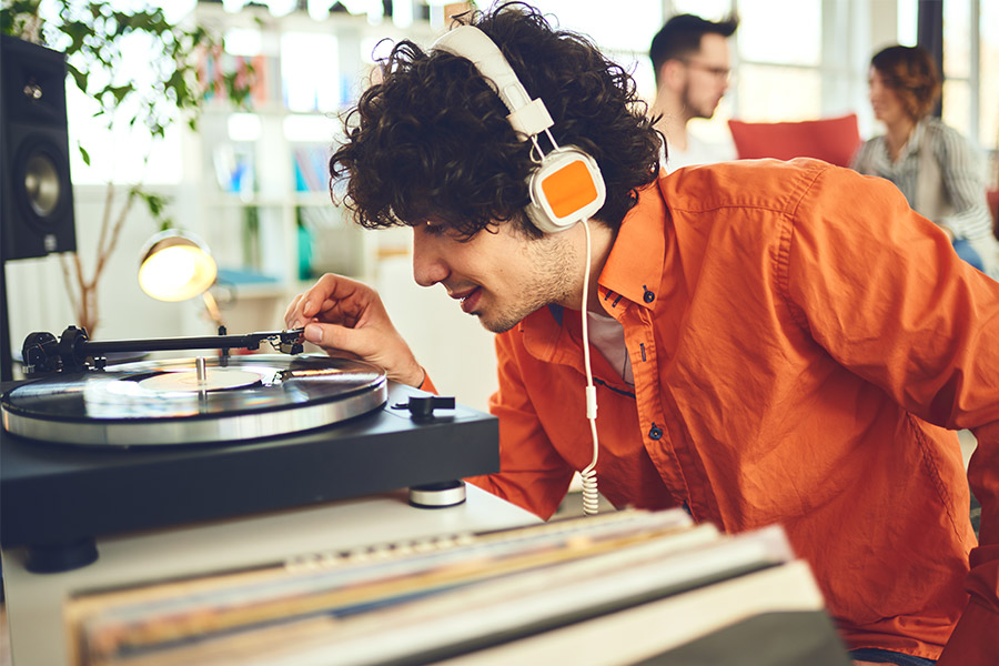 écouter musique vinyle sur platine