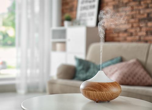 diffuser des huiles essentielles pour assainir l'air