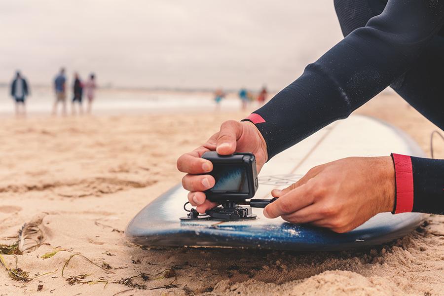 fixer gopro sur planche de surf