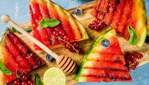 Cinq recettes de dessert au barbecue