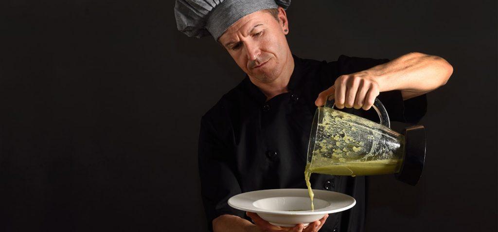 utiliser un blender comme un chef pour faire des soupes