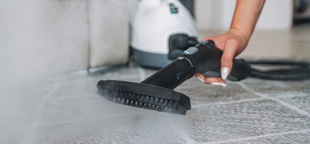 nettoyer-son-tapis-avec-un-nettoyeur-vapeur-ubaldi