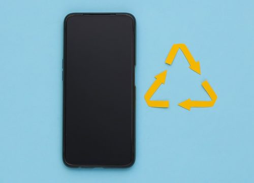 cover-comment-recycler-son-vieux-smartphone-ubaldi