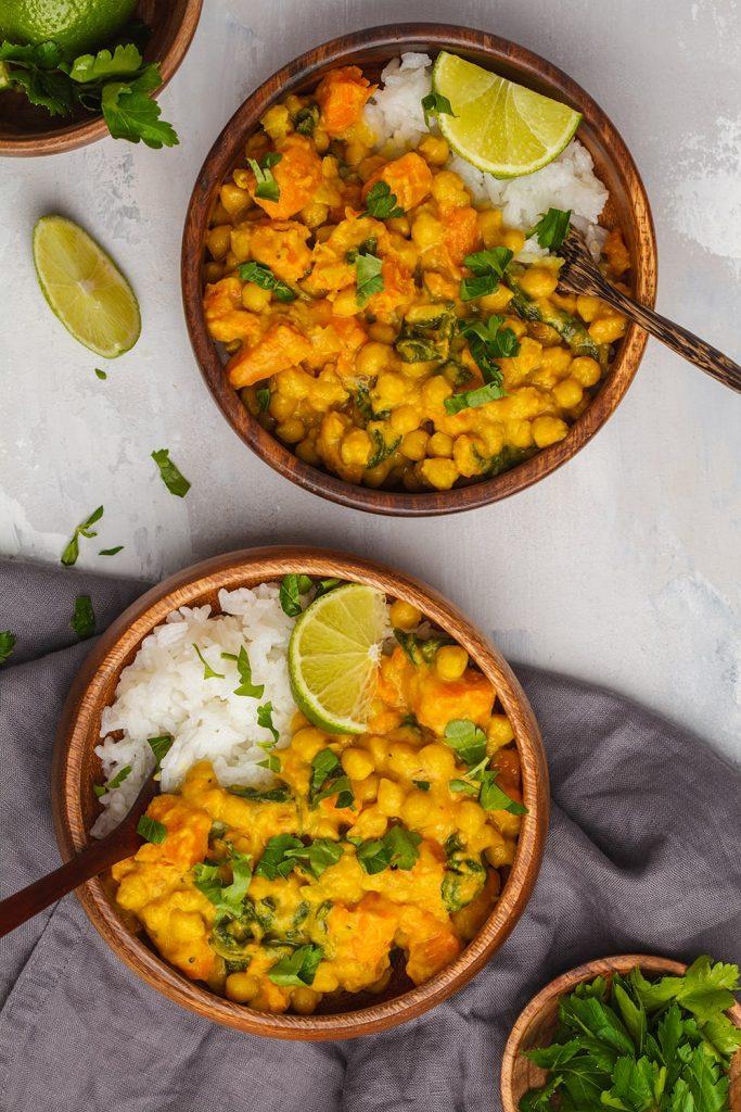 recette-curry-vegetarien-de-patates-douces-et-pois-chiches-ubaldi
