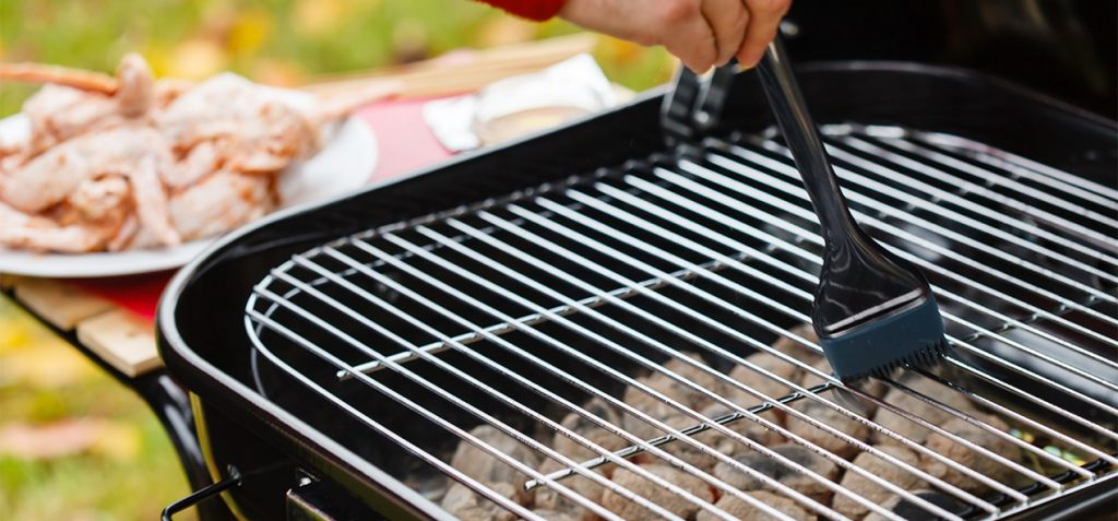 huile-sur-grille-barbecue